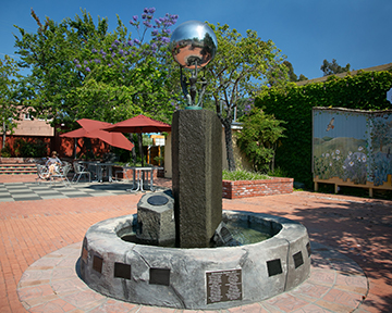 Larger Circle (Bronze & Steel) by Don Rambadt profile picture